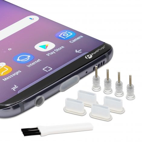 USB C dust plugs with brush